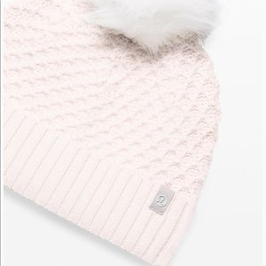 Lululemon Pom to Play Beanie - Angel Wing